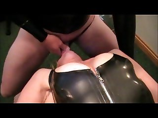 Slutwife fucked in latex and drinks spunk