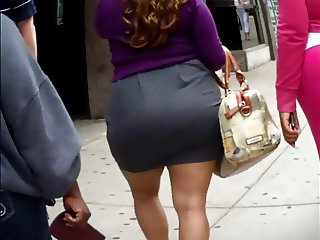 Candid Phat Ass Skirt Booty
