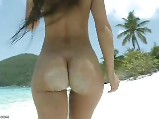 epic ass at the beach