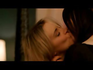Laura Prepon and Taylor Schilling lesbian sex scenes