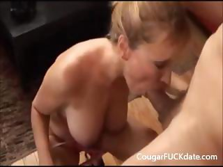 Cougar gives a great blowjob