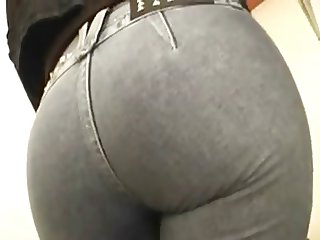Sexy farting Mature in Jeans