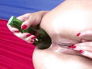 Alysa got a bottle in her ass