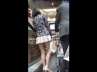 Asian MILF with a VERY SHORT SKIRT Upskirt NO PANTIES