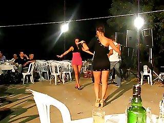 Turkish esim ve kardesimden sexy dance