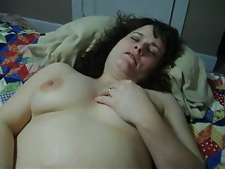 Amateur Wife Has Real Orgasm
